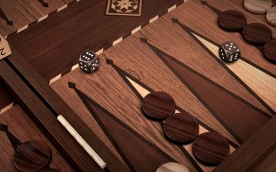 Backgammon Blitz gallery close up angle brown 1200